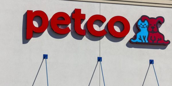 Indianapolis - Circa September 2016: Petco Animal Supplies Retail Strip Mall Location. Petco operates more than 1,300 locations across the US I